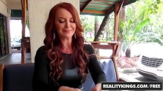 Videos XXX Milf Hunter Con los X Pornos Janet Mason y Levi Cash.